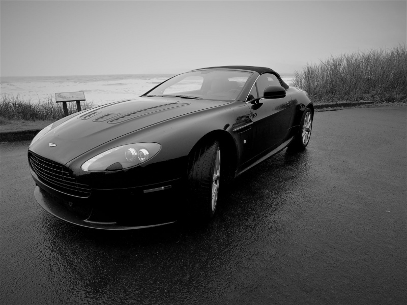 2015 Aston Martin V8 Vantage Roadster - James Duffus